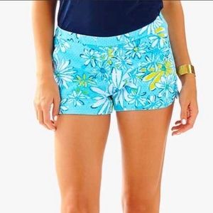 LILLY PULITZER Daisy Dance All Over Blue Shorts